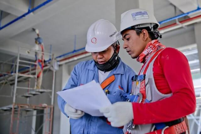 construction-helmet-industry-1216589-e1569605289640